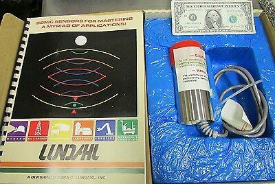 New Lundahl Ultrasonic Analog Distance Sensor Liquid Level Process Plc Dcu-8v