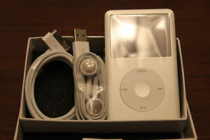 New-Apple-iPod-classic-7th-Generation-Silver-160-GB-Latest-Model