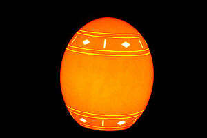 Traditional-African-Genuine-Hand-Carved-Ostrich-Egg-Lamp
