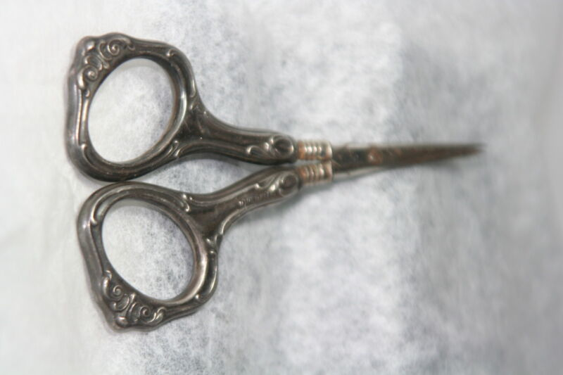 ORIGINAL ANTIQUE c1900~~STERLING EDWARDIAN SEWING SCISSORS~~ HALLMARKED HANDLES