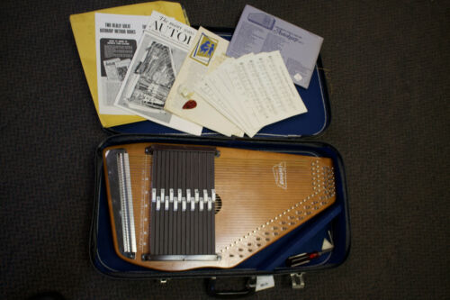 Vintage Oscar Schmidt 36 String Autoharp w/ Carrying Case