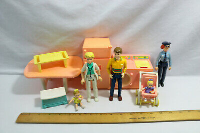 Vtg Playskool Family Vintage Doll House Furniture People Lot of 11pcs - ID#0509