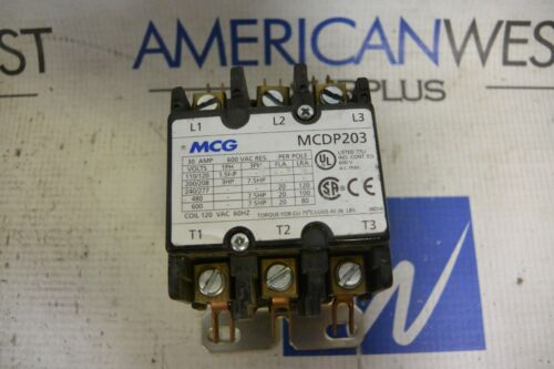 MCG MCDP203 30 AMP CONTACTOR WITH 120V COIL - USED