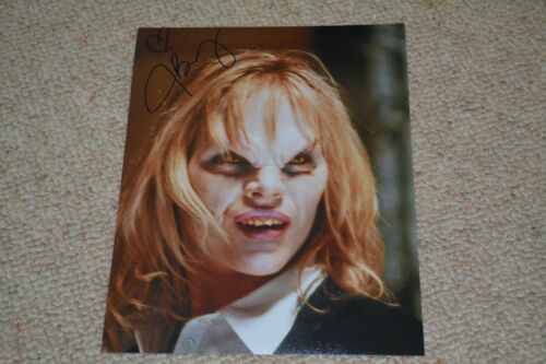 JULIE BENZ signed autograph 8x10 20x25 cm  In Person BUFFY ANGEL