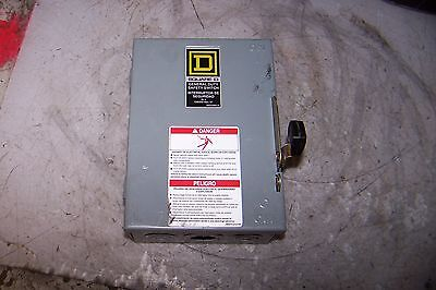 Square D 30 Amp Fused Safety Switch 120240 Vac 3 Hp 1 Phase D211n