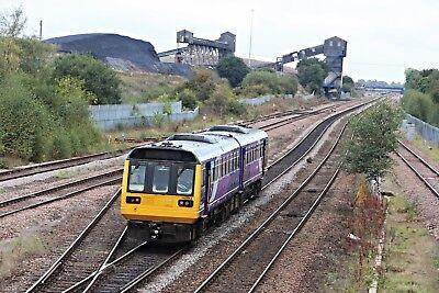 142043 Arriva Northern 6x4 Quality British Rail Photo b
