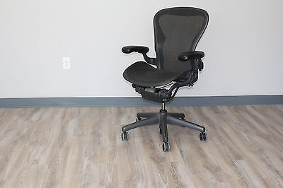Herman Miller Aeron Chair Size B In Carbon Pellicle Classic On A Graphite Base