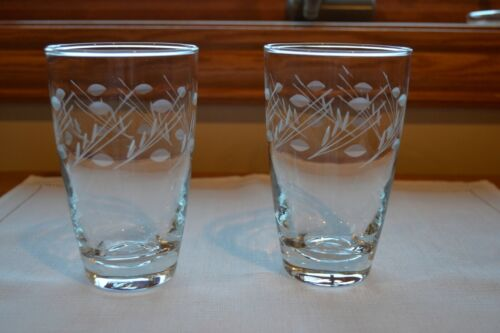 Set of 2 VTG Libbey VIENNA Highball Glasses Tumblers Etched