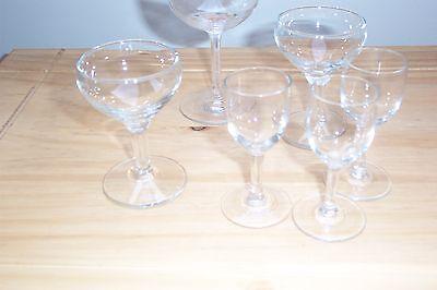 8 VINTAGE GLASSES - 8cm & 10.5cm high