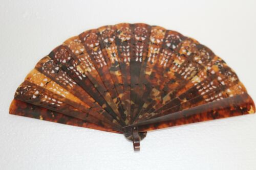 19th Century Chinese Tortoise Boulle Shell Fan