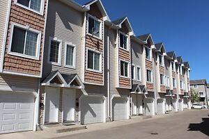 Lakewood S.C. - 2+1 Bedroom Condominium! Great Location!