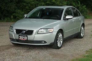 2010 Volvo S40 2.4i Sunroof | Leather | CERTIFIED