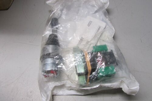 Cutler Hammer EM22JS2Y2X Joystick 2-No 2 POS