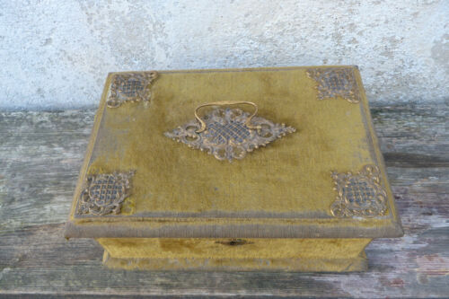 Antique Victorian 1890s French green velvet case box /trinket / sewing box