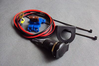 Motorrad Steckdose DIN 4165 12 Volt Bordsteckdose mit Federklappdeckel + Halter