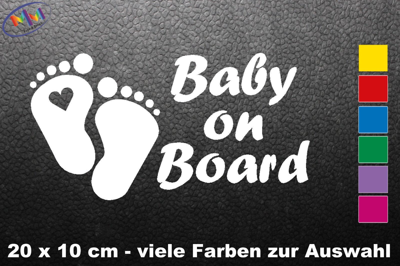 Auto Aufkleber Baby on Board mit Wunschname Herz Füße an Bord, Tour (281)