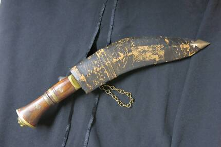 Gurkha Kukri Knife in Leather Sheath