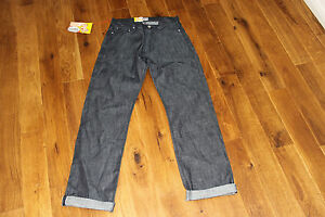 NAKED-AND-FAMOUS-DENIM-RAW-RARE-JAPANESE-SELVEDGE-LIGHT-WEIGHT-REGULAR-GUY