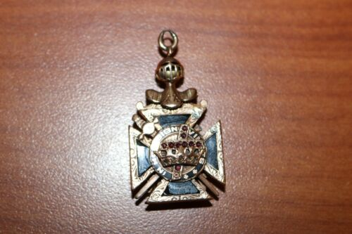 Vintage 10K Pendant 15.3g Knights Templar In Hoc Signo Vinces Masonic Cross CH32