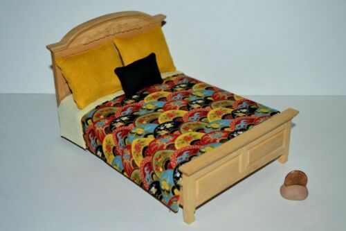 Miniature Dollhouse Bedspread Comforter w-3 Pillows Handmade 1:12 Classy Print