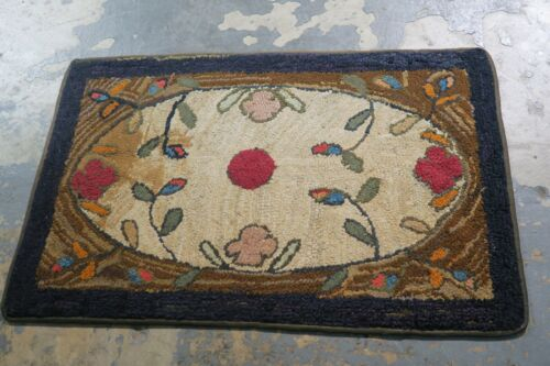 Primitive Antique American Hand Made Hooked Rug Wool on Burlap - 2