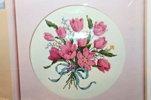 "The Creative Circle Tulip Bouquet Embroidery Kit 1682 9"" x 9""  Crewel 1987"