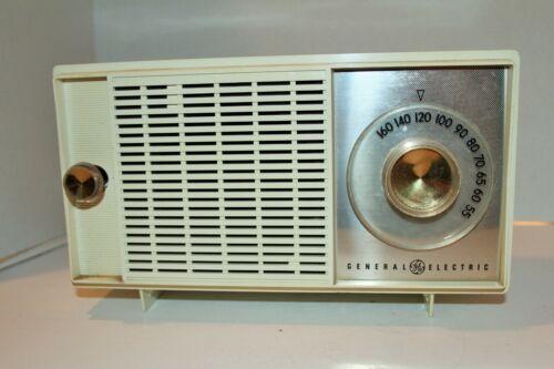 Vtg Mid Century General Electric GE AM Tube Radio Works!!