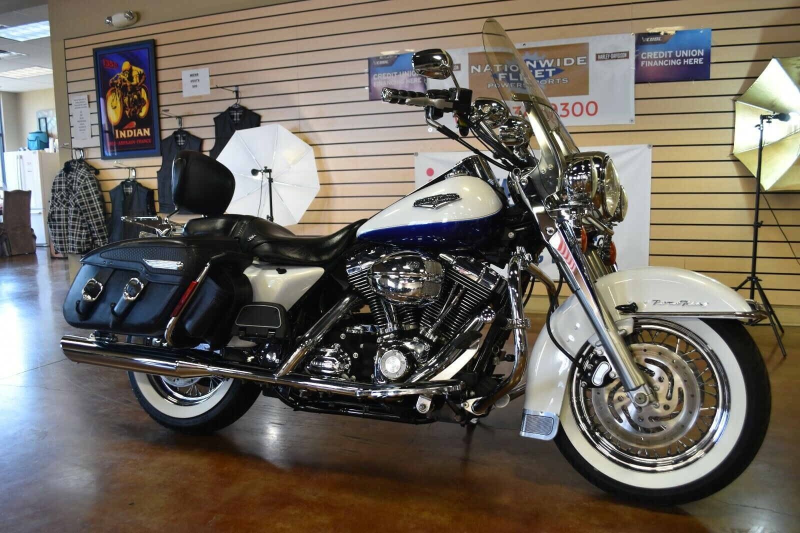 2007 Harley Davidson Road King Classic FLHRC Clean and Clear Title Bike Nice