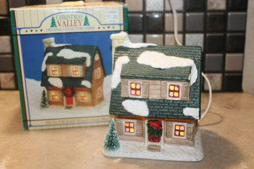 1992 Vintage Christmas Valley Log Cabin Lighted House Rock Chimney Decorated