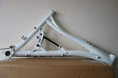 Titus El Guapo 29 full suspension frame white
