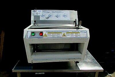 Oliver Front Load Bread Slicer Machine Model 732n 115 Volt Used Product