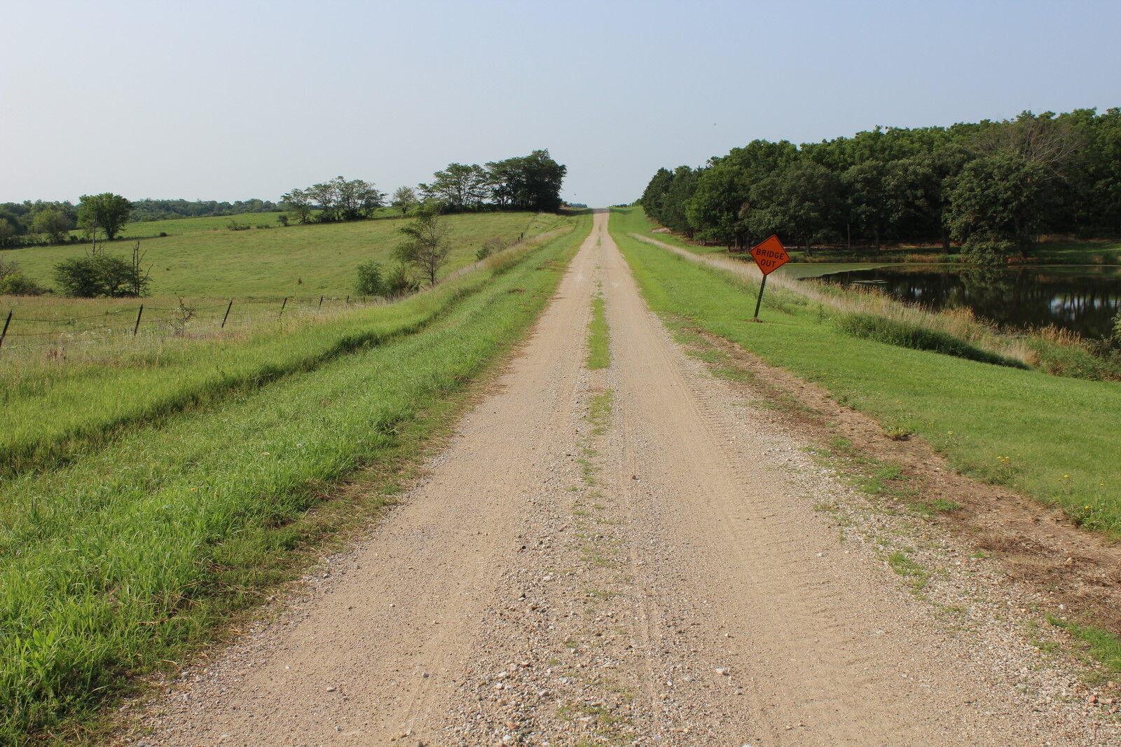 Gravel-Road-Finds