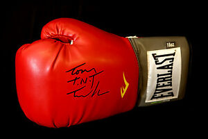 New-Tony-TNT-Tucker-Signed-16oz-Red-Everlast-Boxing-Glove