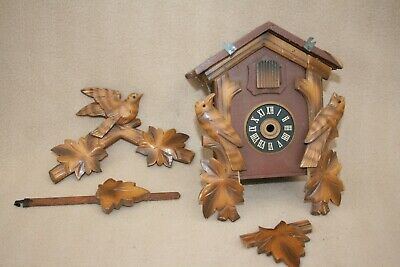 VINTAGE WOODEN CUCKOO CLOCK CASE FOR SPARES OR REPAIR (LOT 2)