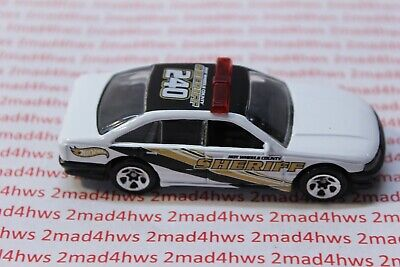 '01 Hot Wheels PACKAGE PULL Police Cruisers 5- PACK Police Car HOLDEN COMMORDORE