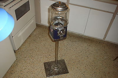 (Vintage BEAVER FUZZY BRUSH Dentist Office GUMBALL MACHINE W/Stand & Key 4 Repair)