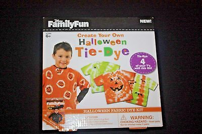 DISNEY FAMILY FUN HALLOWEEN TIE-DYE KIT - MAKES FOUR T-SHIRTS - BRAND NEW