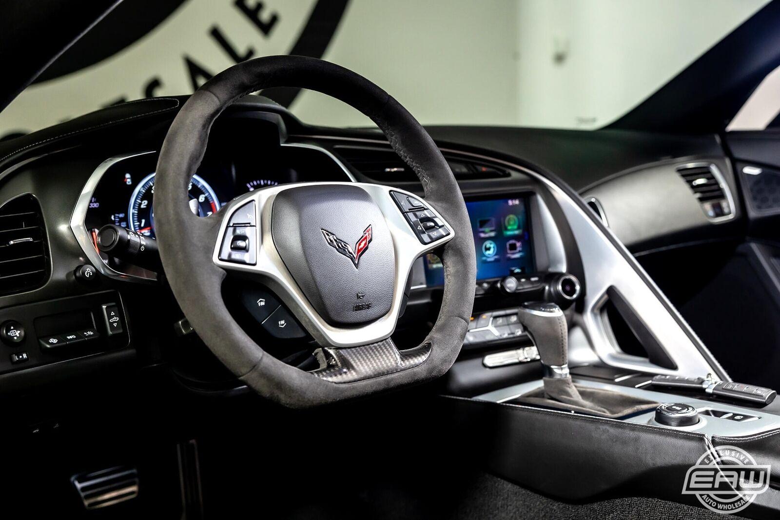 2019 Black Chevrolet Corvette Convertible 2LT | C7 Corvette Photo 10