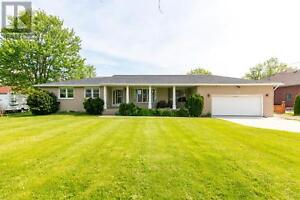 536 COUNTY RD 34 West Kingsville, Ontario