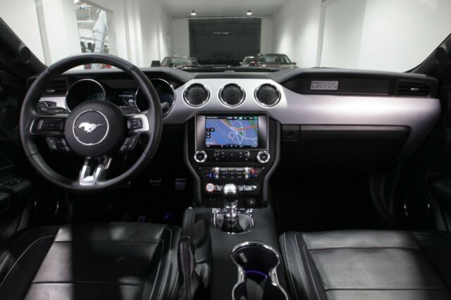 Ford Mustang 2.3 EcoBoost Deutsches Modell