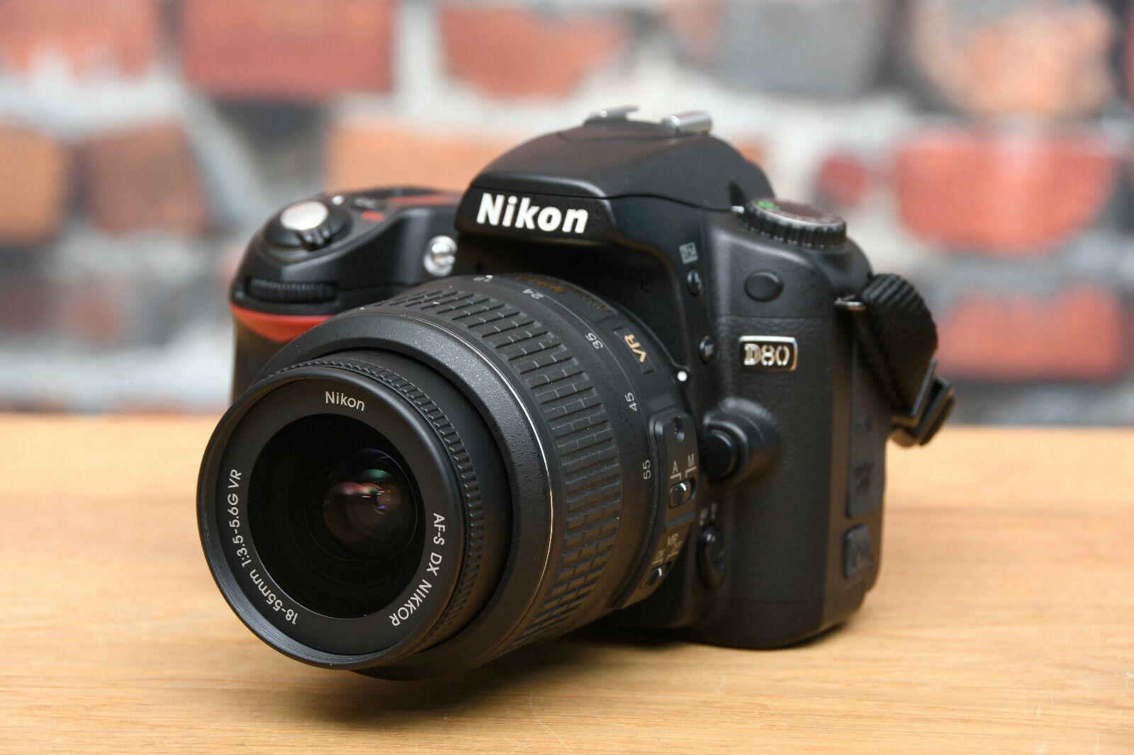 NIKON D80 Digital Spiegelreflex Kamera + DX AF-S 18-55 mm 3,5-5,6 Objektiv