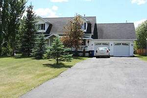 2 Storey- backing onto Greenspace / Pond- MASSIVE LOT