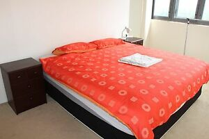 King Size Ensemble / Mattress and Base (Can Delivery) Prestons Liverpool Area Preview