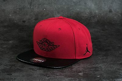 Nike AIR JORDAN RETRO 2 SNAPBACK Hat 724891-687 RED/BLACK Adult Chicago Bulls
