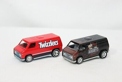 Hot Wheels Pop Culture Hershey's & Twizzlers Super Van Lot of 2 w/Real Riders