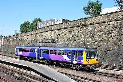 142068 Arriva Rail Northern 6x4 Quality British Rail Photo