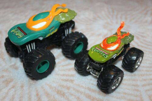 """2010 Mattel Hot Wheels TMNT Michaelangelo Monster Jam REV & GO Toy Truck 4.5"""""""