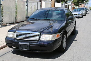 Clean-Carfax-Government-Fleet-Police-Interceptor-Street-Appearance-Package-75K