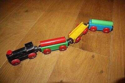 Zug mit  Anhängern für Holzeisenbahn wie Brio