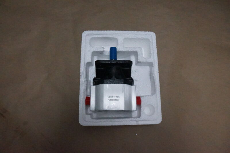 """2.1 GPM Bi-Directional Gear Pump, 1/2"""" Shaft, 4 Bolt, CW CCW, CBS6-F2.1SS"""